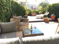 Perfect small property in Juan les Pins. Comfortable and well looked after.