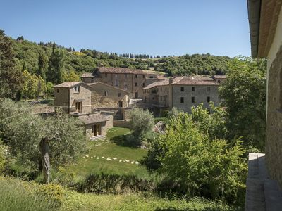 Photo for Ancient village on the border between Umbria and Tuscany, 19 sleeps, swimming pool and panoramic pos