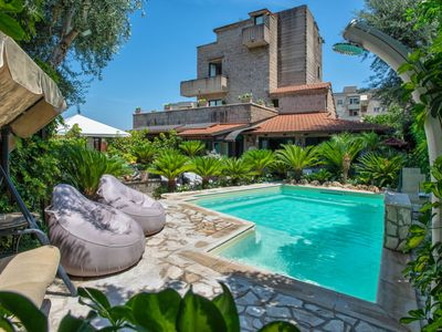 Photo for Red Apartment - in Sorrento center, with free parking, pool, Wi-Fi, garden