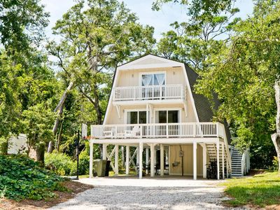 Photo for Charming Oceanside Cottage close to both EI's beautiful  beaches and bike trail.