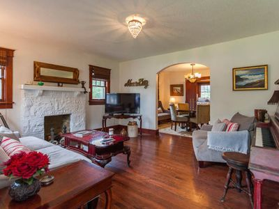 Photo for Vintage Nashville Writer's Pad W/Piano, guitars & instruments for ARTISTS & YOU!