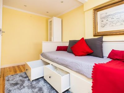Photo for Studio apartment in the center of Lisbon with Internet, Washing machine (386532)