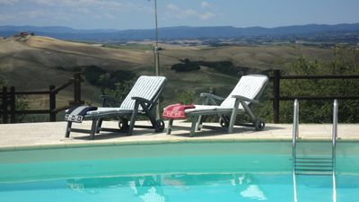 Photo for Apartment with pool and wifi in the heart of Tuscany, Siena