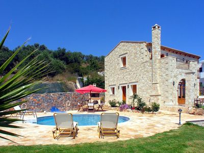 Photo for Detached holiday house with pool, large garden plot, wifi | Rethimno, Crete