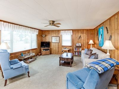 Photo for You will love this adorable 2 Bedroom/1 Bath Cottage that sleeps 6!