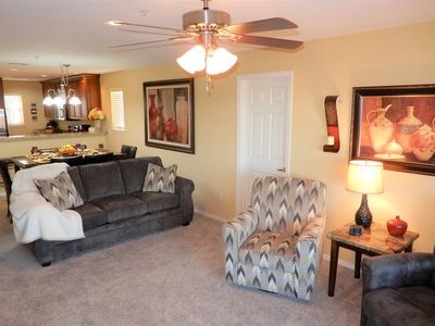 Photo for Elegant 3 Bed/3 Bath with great view of Branson! Close to golf and shows