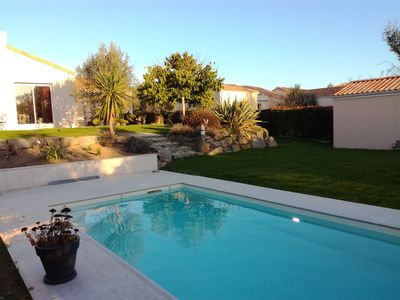 Photo for Comfortable family home, near beach, heated pool, large plot