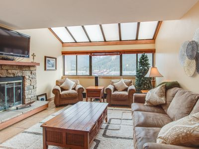 Photo for Updated penthouse condo w/ views, shared hot tub - walk to slopes!