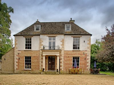 Photo for Fantastic 10 Bedroom Home Close To Stamford - Now with Garden Hot tub