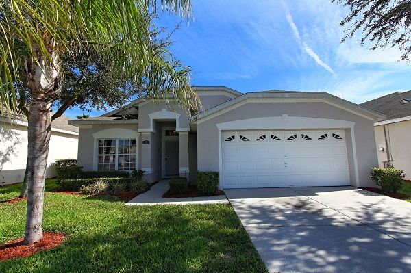 Disney magic vacation villa perfect for family trips to disney 4 kissimmee house rental our villa solutioingenieria Image collections
