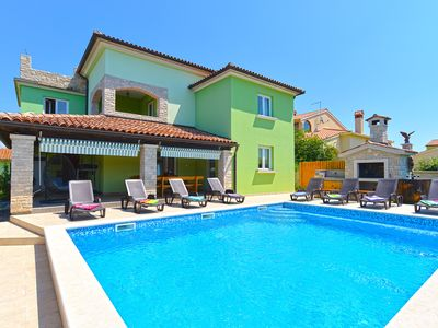 Photo for Holiday house Galizana for 12 persons with 6 bedrooms - Detached holiday house