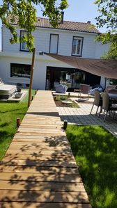 Photo for Pretty town house of 150m ² with garden and SPA