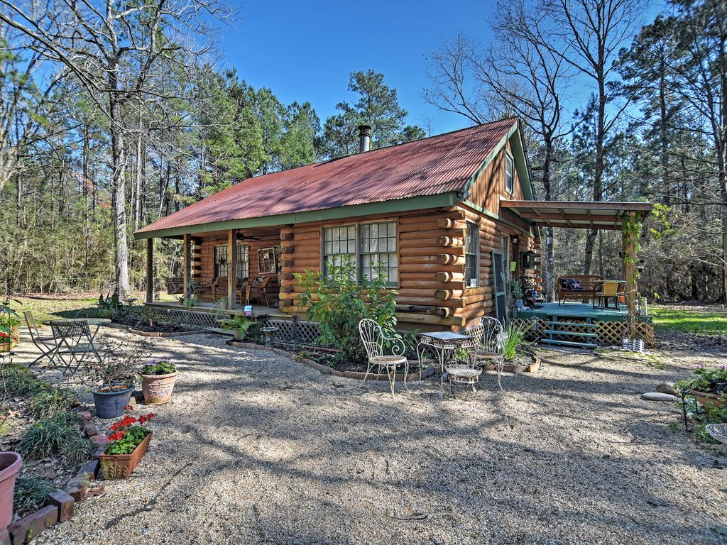 Come Escape To This Clinton Vacation Rental Cabin!