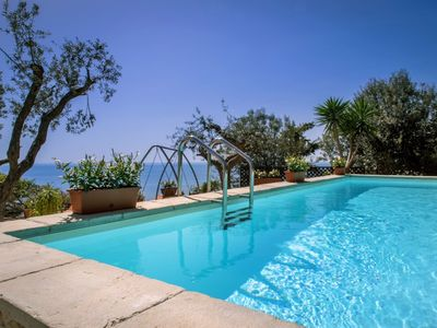 Photo for Beautiful villa with pool and fantastic sea view in the enchanting Amalfi Coast
