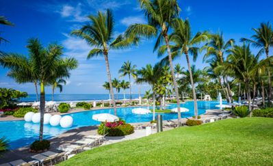 Photo for Special! 2 for 1 golf! Luxurious 1 bedroom at Mayan Palace beachfront resort!
