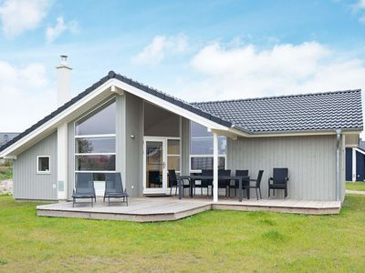 Photo for Cosy apartment for 8 people with WIFI, hot tub, TV and pets allowed