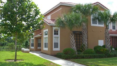 Photo for 4 Bedroom Villa 2 Miles from Disney Entrance Kissimmee Us192