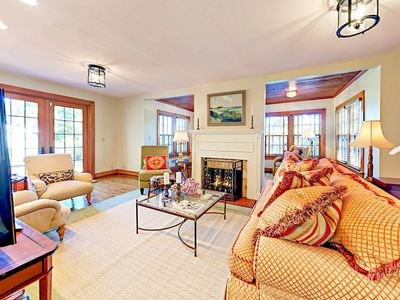 Photo for Casa Delphino 3BR w/ Balcony & Backyard in Old Northwood Historic District
