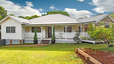 Photo for BANGALOW Sansom Street - Hosted by: L'Abode Accommodation