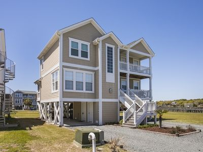 Photo for Family Friendly /4 BR/Close to Beach & private ICW dock access/Free WiFi