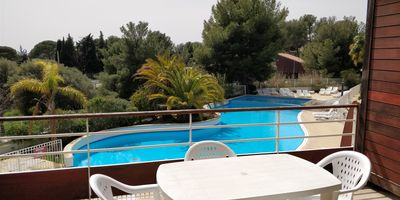 Photo for T2 Close to sea, terrace, air conditioning & parking - 4/6 people