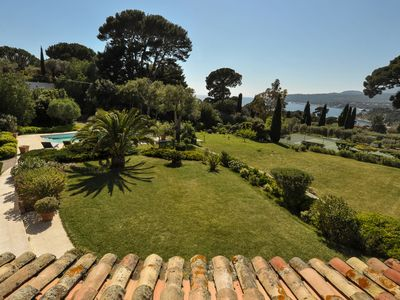 Photo for 260m2 villa 150m from the beach, air-conditioned, tennis / pool, petanque, trees