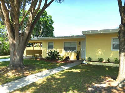 Photo for Centrally located Downtown Sarasota home close to beaches & Main St, pets ok