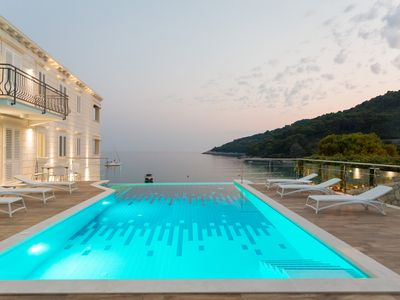 Photo for Luxury beachfront Studio apartment Mljet with infinity pool