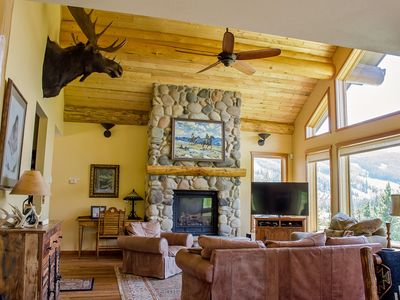 Photo for UPDATED 4BD HOME, SKI ACCESS, HOT TUB, FIREPLACE, BRIGHT&COZY, AMAZING VIEWS