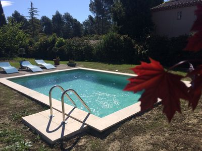 Photo for Pleasant independent pool holiday villa at the foot of the Luberon comfortable