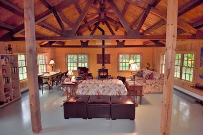 Cathedral ceiling, wood stove, plush sofas, drop dead views, total tranquility