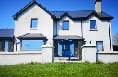 Photo for Large 4 bedroom family home. Private location 10 mins from Killarney