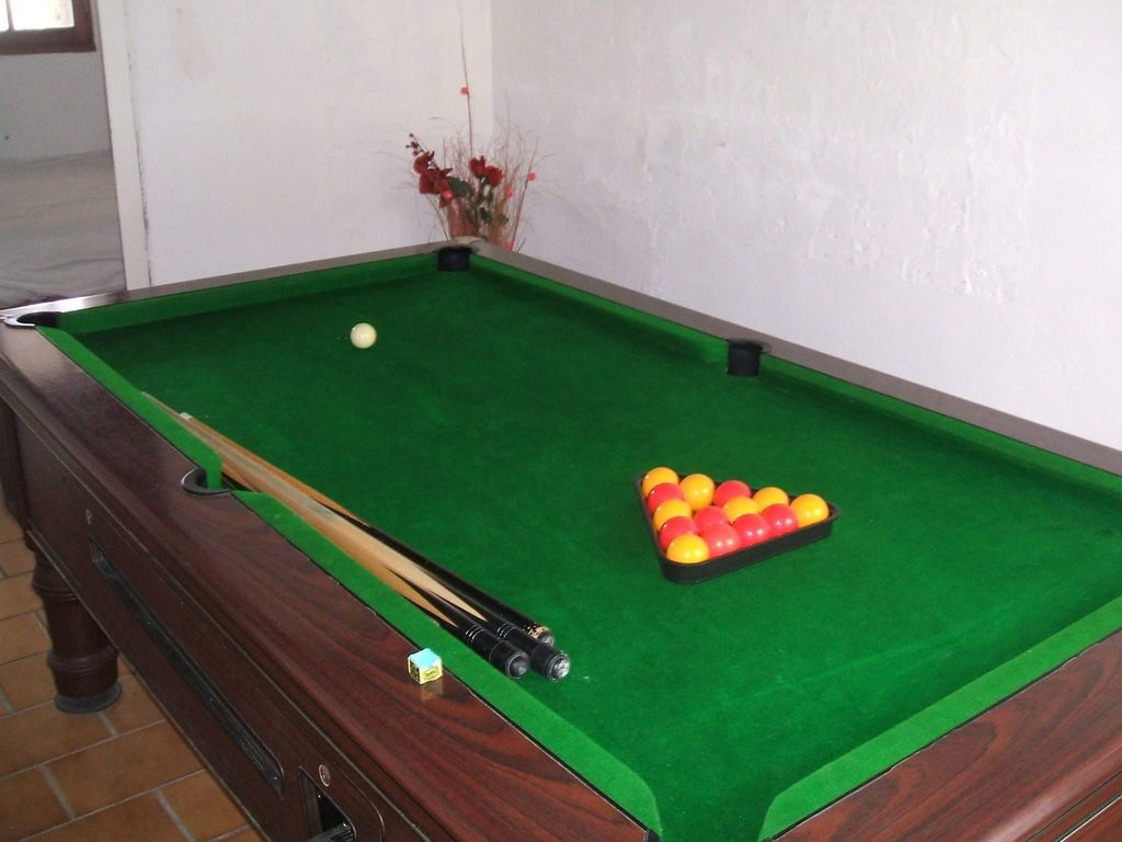 Th Century Detached Stone Farmhouse Set In L Shaped Courtyard - L shaped pool table