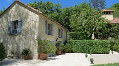 Photo for CHARMING HOLIDAY COTTAGE. PRIVATE HEATED SWIMMING POOL. WIFI. NEAR CAHORS, LOT
