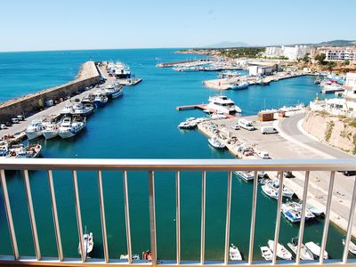 Photo for Charming apartment by the sea in L'Ametlla de Mar with WI-FI, Air conditioning!