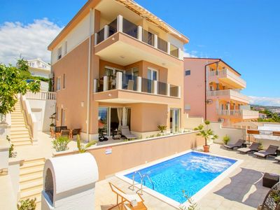 Photo for Apartments Kristina, (15727), Okrug Gornji, island of Ciovo, Croatia
