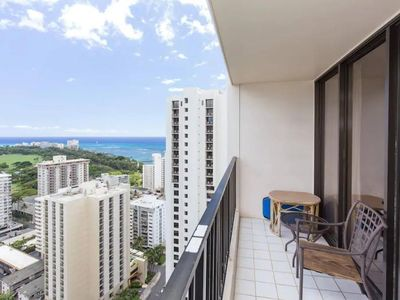Photo for Diamond Head & OCEAN VIEWS, POOL, FREE PARKING, SLEEP 4 and MORE!!!   WB33
