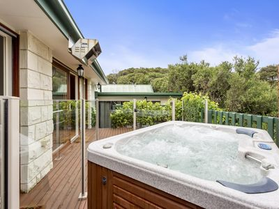 Photo for Bridgewater Bay Beach House: spa & beach