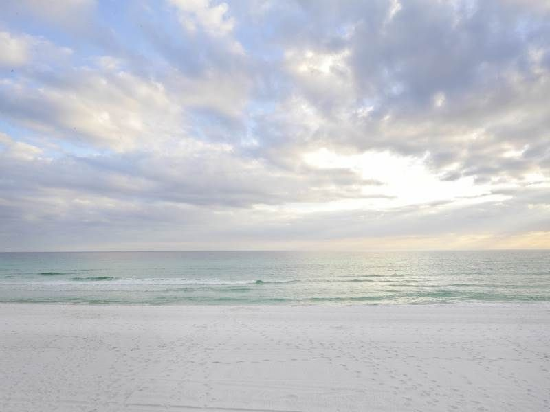 **SPACIOUS UNIT** TRENDY, TIDES, AND TENNIS!