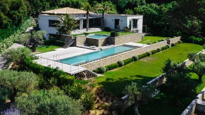 Photo for Luxury villa overlooking the sea and St Tropez