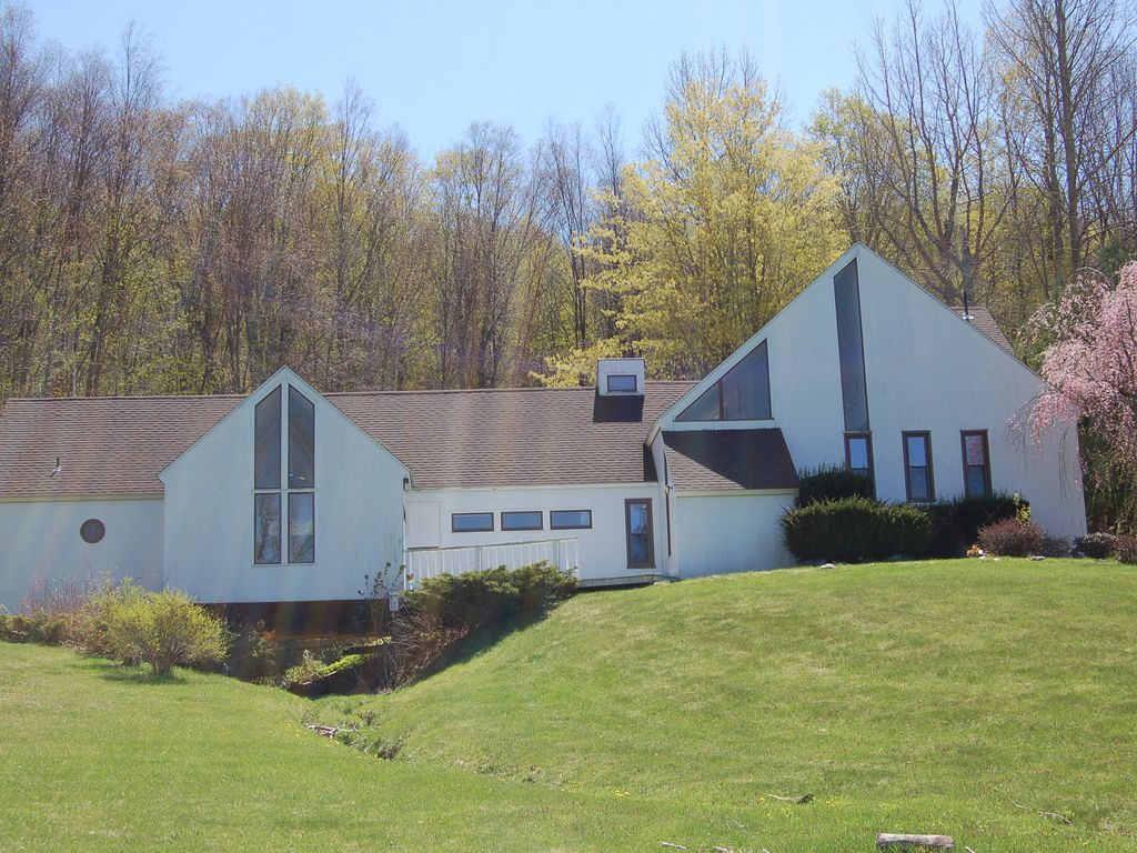 contemporary 'castle in the sky' on 15 acres, lanesboro,berkshires