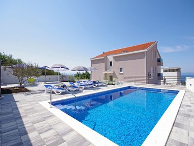 Photo for Holiday house Ferias with pool in Makarska, three bedrooms, free W-Lan
