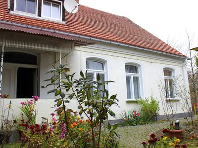Photo for Apartment Zur Alten Schule Neuburxdorf - Apartment with 3 bedrooms and tiled stove