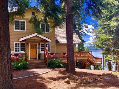 Beautiful Lakefront Home in LACC-Spectacular Views! Private Dock/Buoy