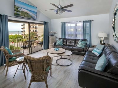 Stunning Beachside Villa, Walk to Frenchy's! Free Wi-Fi & Cable, W/D, Pool, Parking - B5 Villas