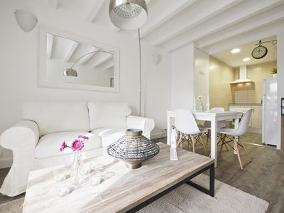 Photo for Apartment 160 m from the center of Barcelona with Internet, Lift, Balcony, Washing machine (689424)
