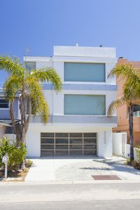 Photo for 3302O - 713488  Modern Marvel: 4  BR, 3  BA House in Oxnard, Sleeps 10