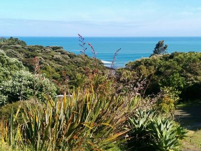 Photo for Manu Bay Bush and Beach Cottage