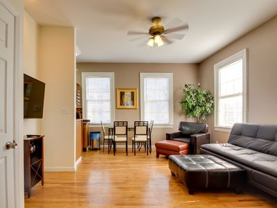 Photo for Urban townhome with dog-friendly features, four blocks to Forsyth Park!