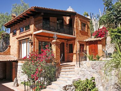 Photo for Villa Alta Dos: very special, private, quiet, 15 minute walk to El Jardin
